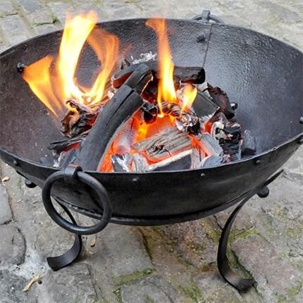 Fire pits & BBQs