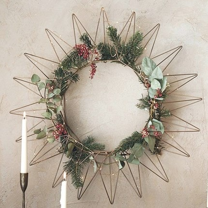 Welcome guests with a festive wreath