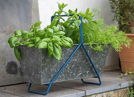 Portable planting trough