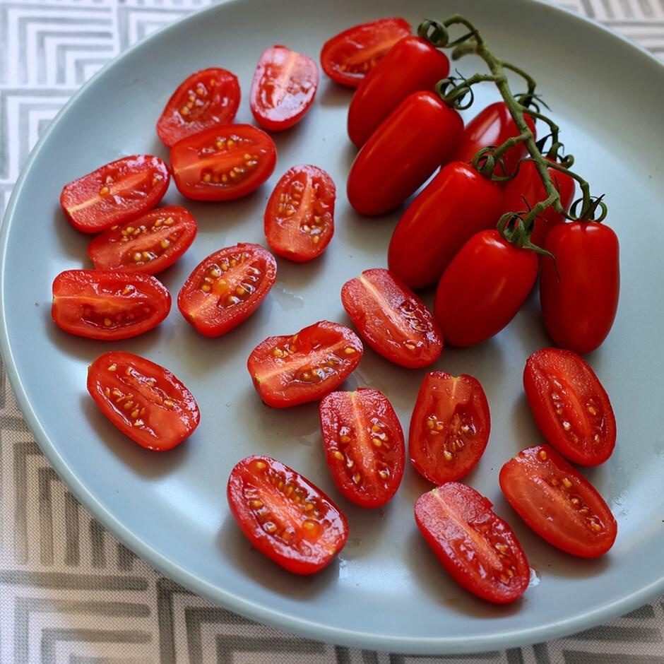 plum tomato  / Solanum lycopersicum'San Marzano'