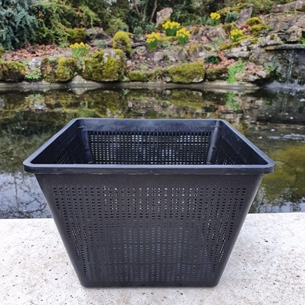 Pond basket