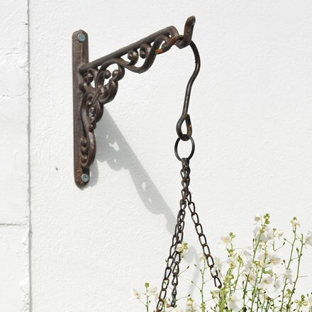 Cast iron hanging basket bracket
