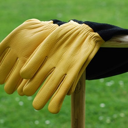 RHS gold leaf tough touch gloves