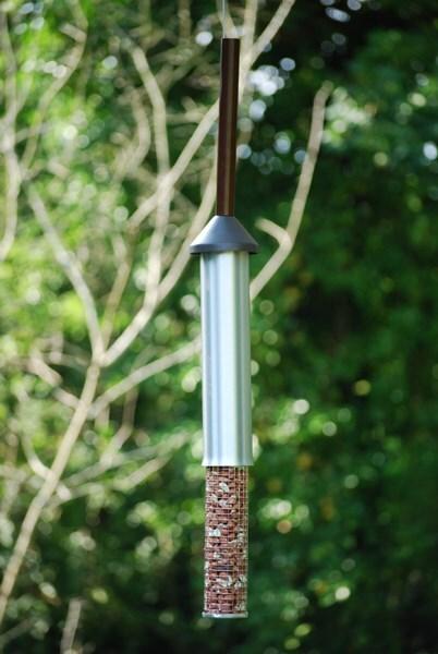 Squirrel-proof peanut feeder