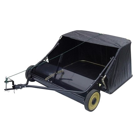 Handy leaf sweeper for tractors