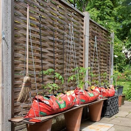 The grow-bag frame
