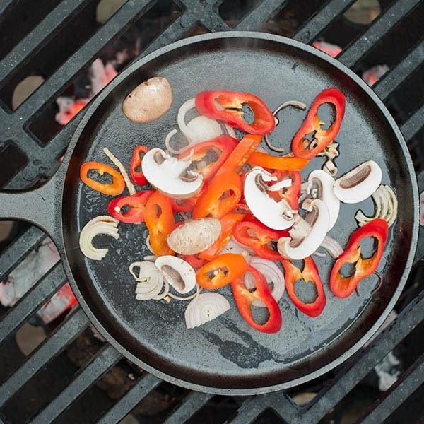 Cast-iron fryer for outdoor cooking