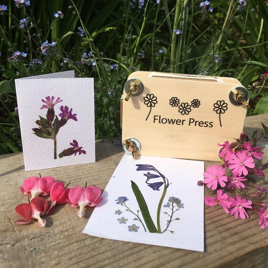 Flower pressing gift set