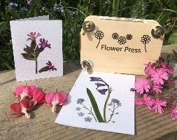 Flower pressing gift set