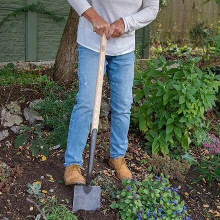 De Wit solid socket spade