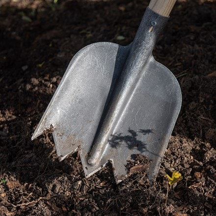De Wit lightweight soil shovel