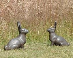 Cast aluminium rabbit
