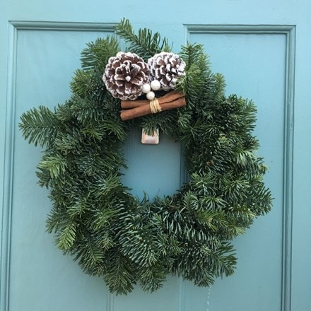 Lightweight natural fir wreath with berry & cones