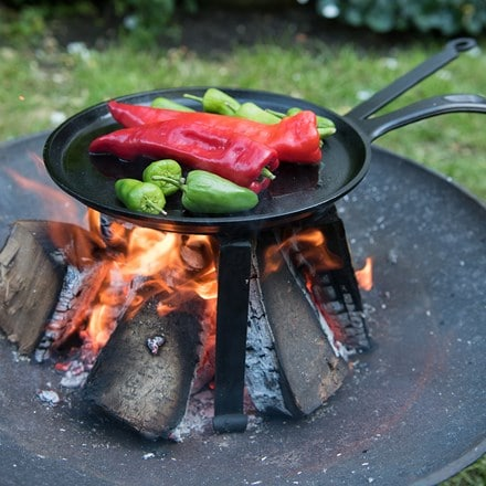Open fire cooking tripod