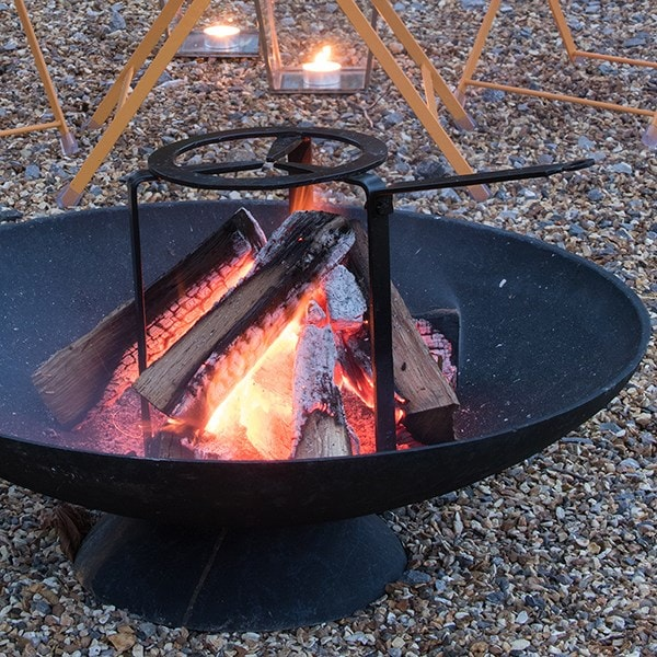 Open fire cooking tripod