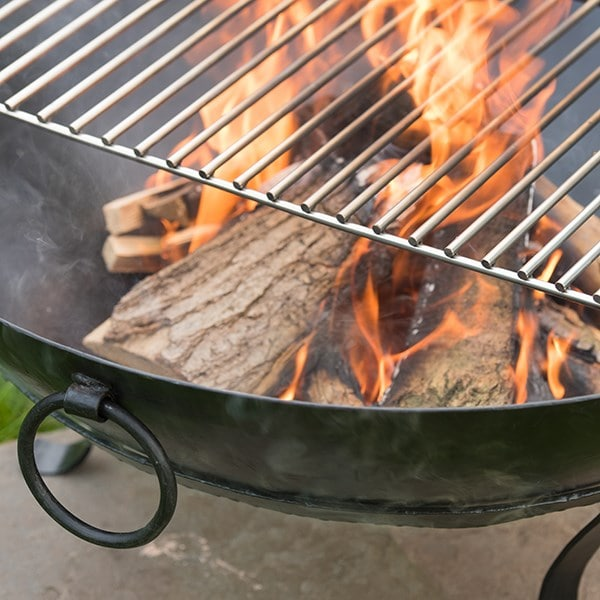 Iron disc fire pit with stainless steel cooking grill