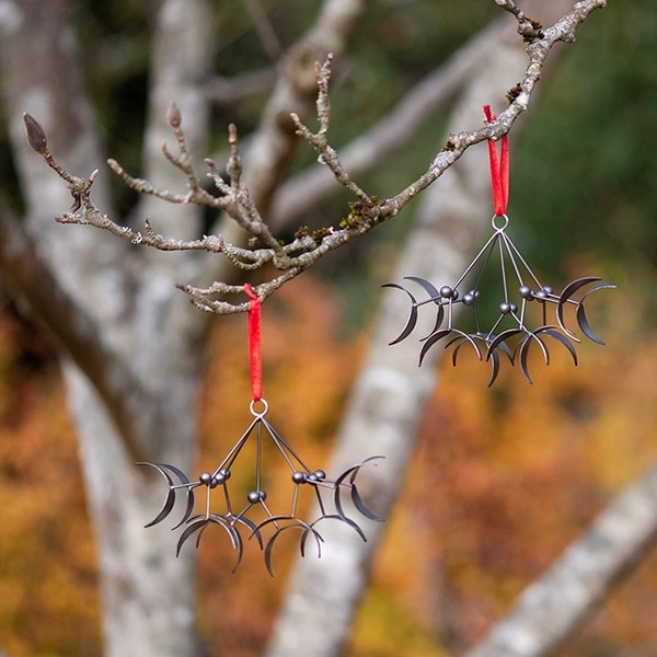Hanging mistletoe - pewter