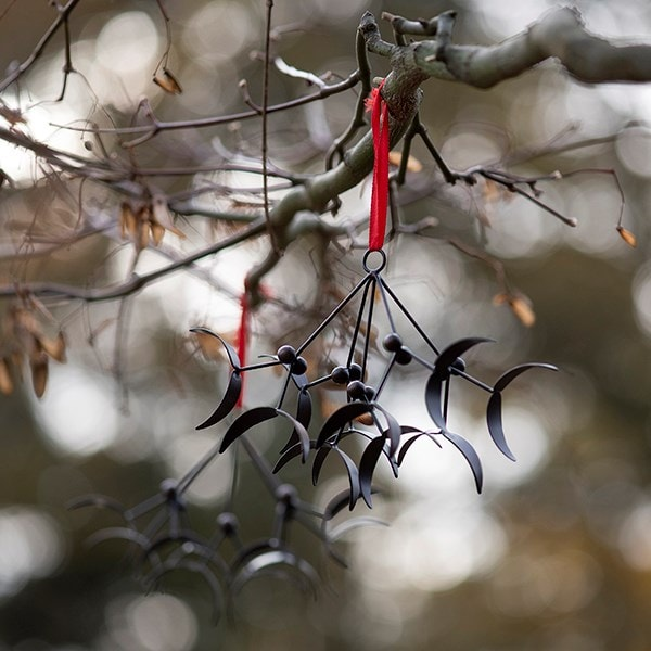 Hanging mistletoe - antique bronze