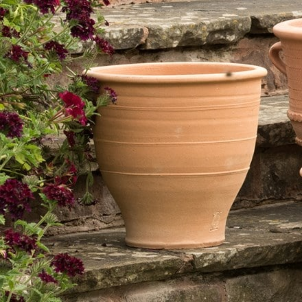 Exara terracotta pot