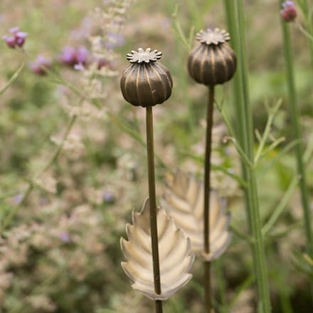 Poppy seed head stake - short