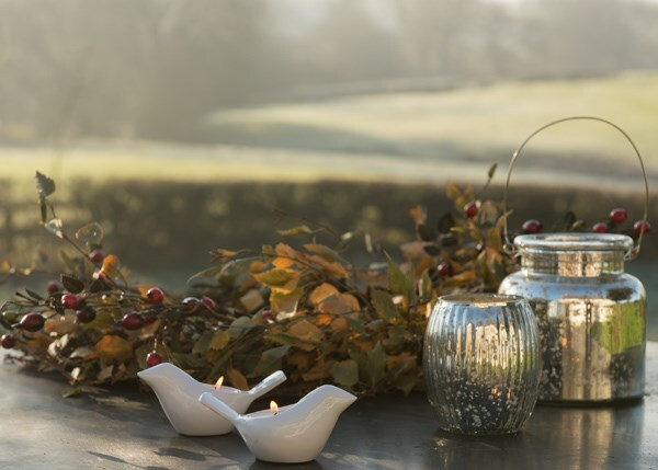 Bird tea light holder