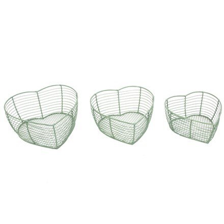 Wire heart shaped baskets