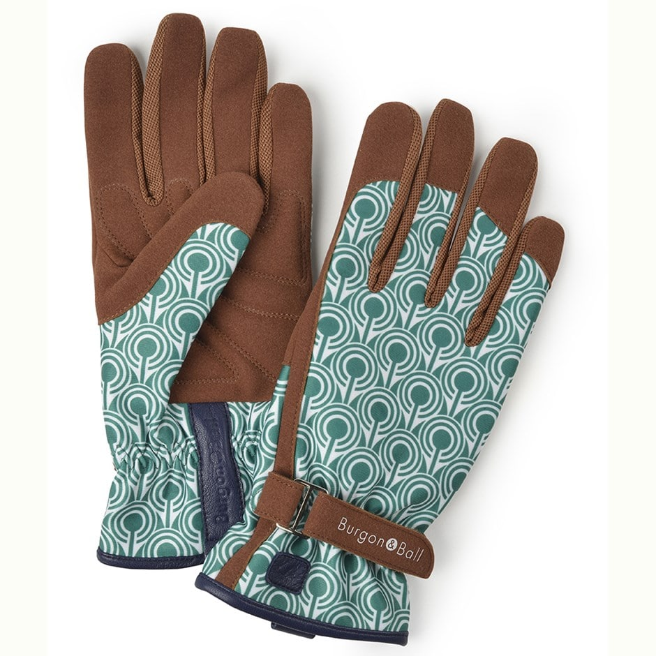 Love the glove deco - two sizes