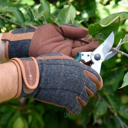 Dig the glove tweed