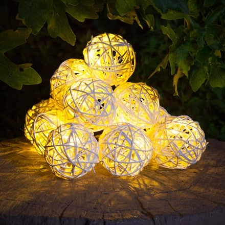 10 solar rattan balls