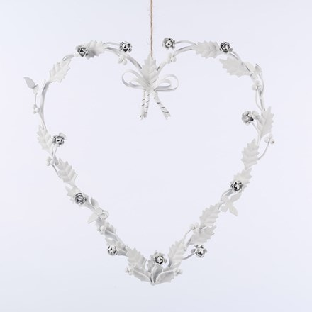 Metal heart wreath white