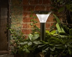 Magnum stainless steel solar stake light