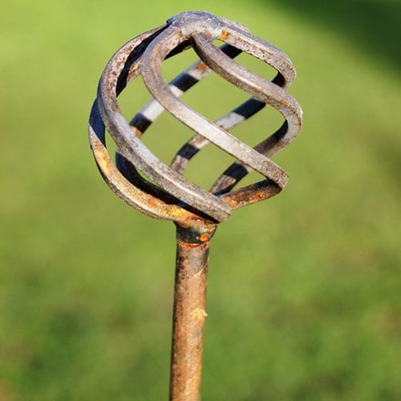 Metal plant pins