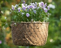 Hanging woven chicken wire basket