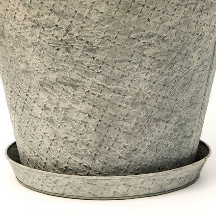 Round embossed pot tray