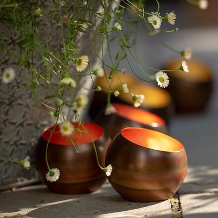 Sphere tealight holder