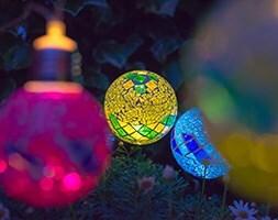 Dual power 10 mosaic string lights