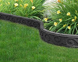 Recycled garden border flexi curve scroll