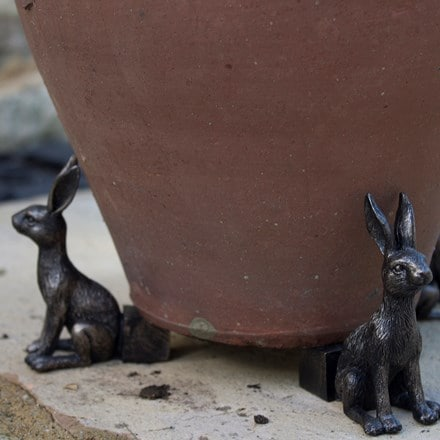 Potty feet bronze hare
