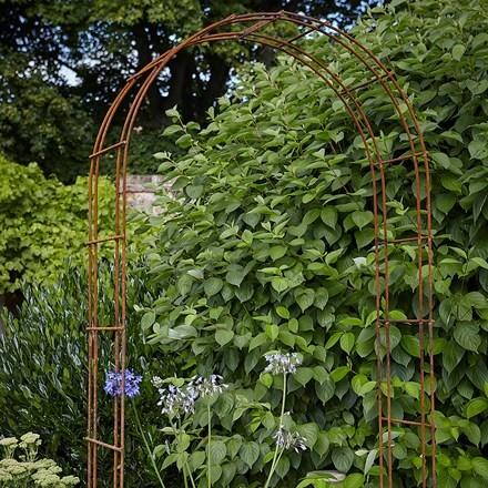 Rustique garden arch