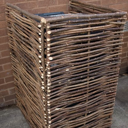 Hazel wheelie bin screen - single
