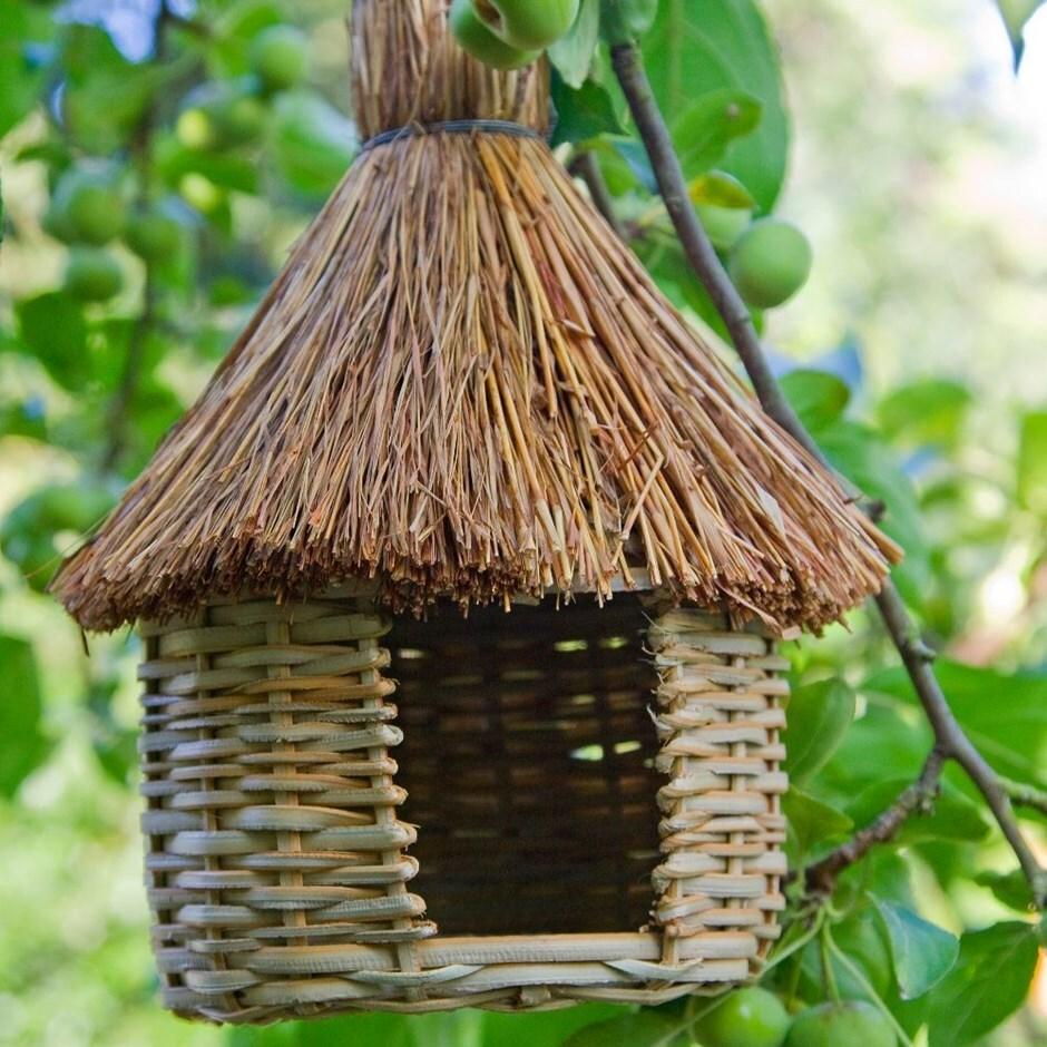 Woven grass bird hut - set of 3