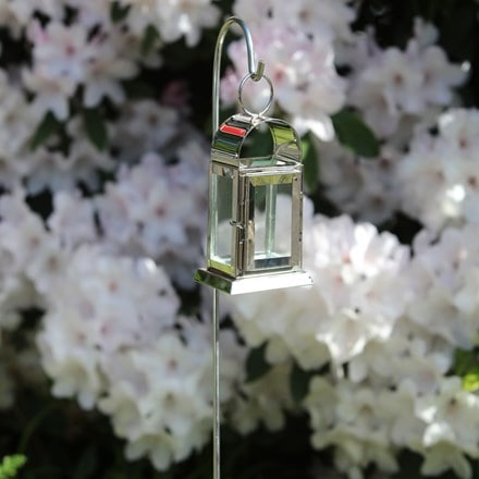 Mini arch lantern with steel stake