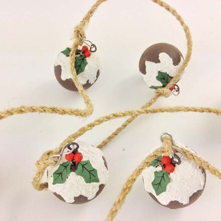 Christmas pudding garland