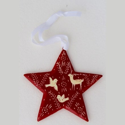 Red star decoration - forest
