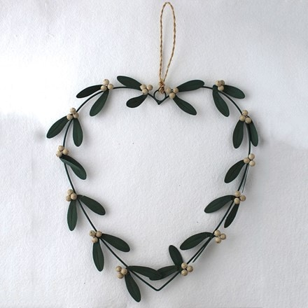 Mistletoe heart wreath
