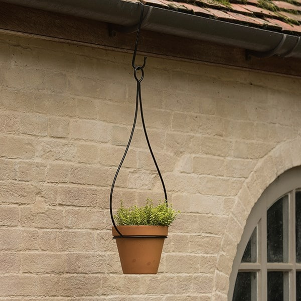 Hanging tear drop pot hanger
