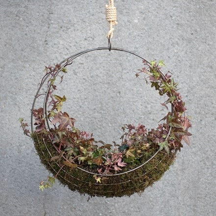 Hanging wreath basket - large