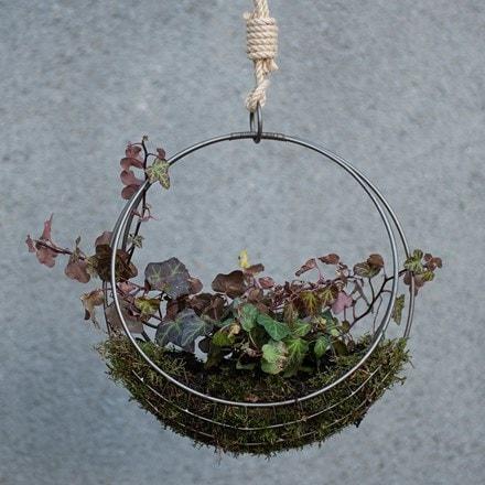 Hanging wreath basket - small