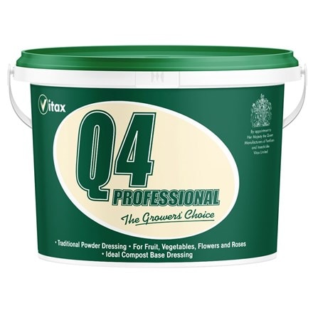 Vitax Q4 fertiliser 10kg powder tub
