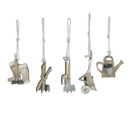 Wood/tin garden tools decoration